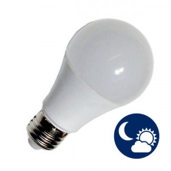 Light Bulb - E27, 10W with light sensor